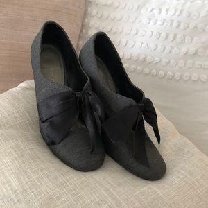 ann marino black grey fabric heels bow ladies 8